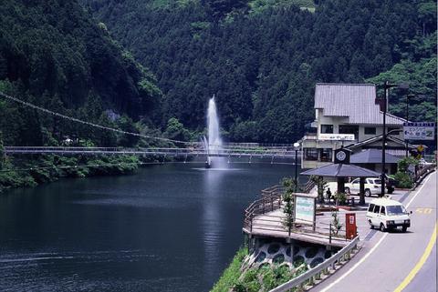 02.ヒメシャラ休憩所・龍ノ川橋